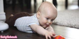 razvitie rebenka v 4 mesyatsa 300x150 - Что должен уметь ребенок в 4 месяца. Развитие ребенка в 4 месяца