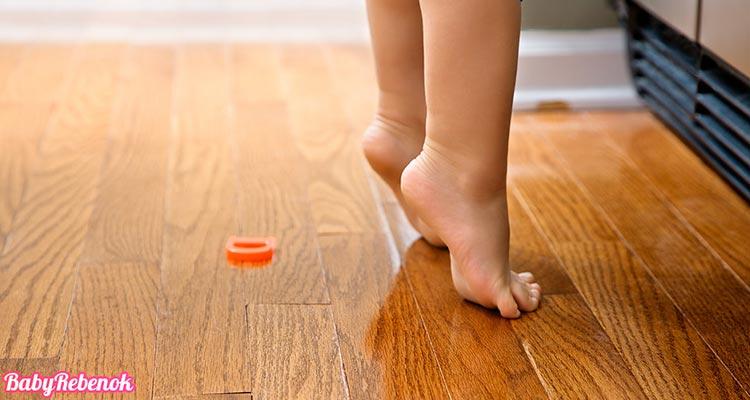 Почему ребенок ходит на носочках или цыпочках. Что делать?