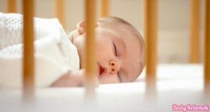 kak priuchit rebenka spat v krovatke