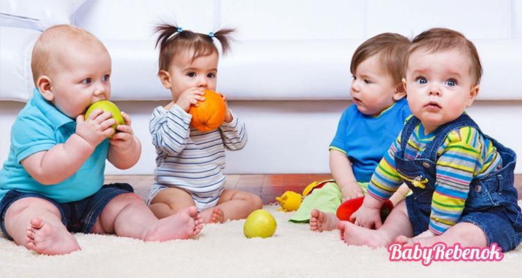 Во сколько месяцев сажать ребенка: мальчика и девочку?